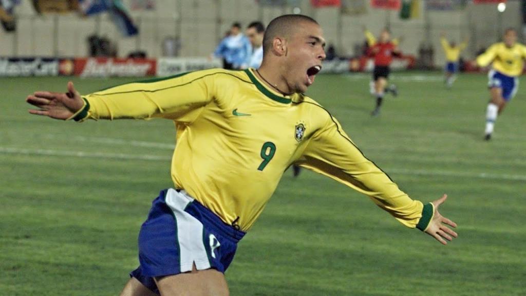 Ronaldo joue avec des couches pendant une compétition