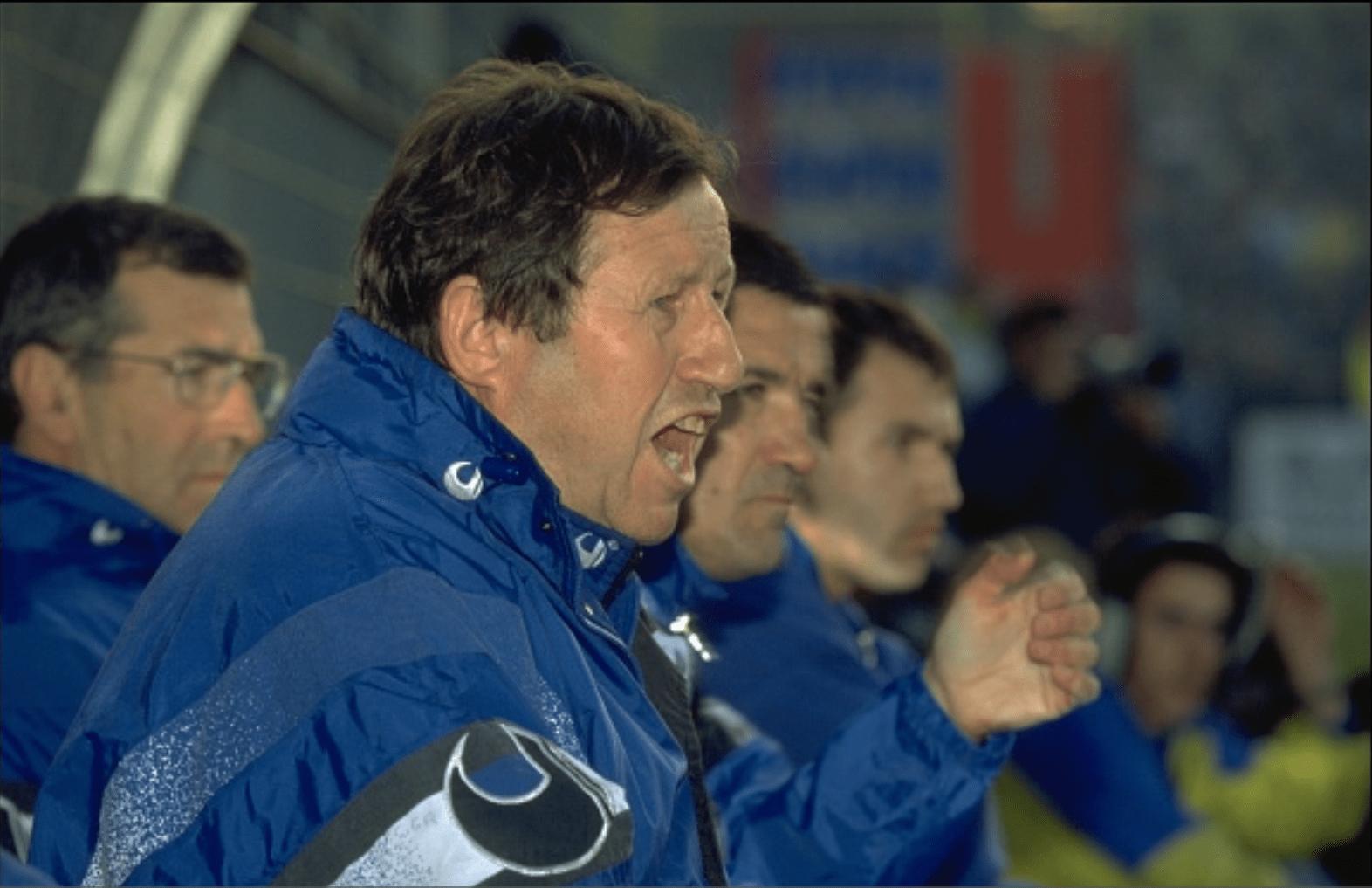Guy Roux paie une personne pour lui porter chance et Auxerre réalise le doublé Coupe-Championnat