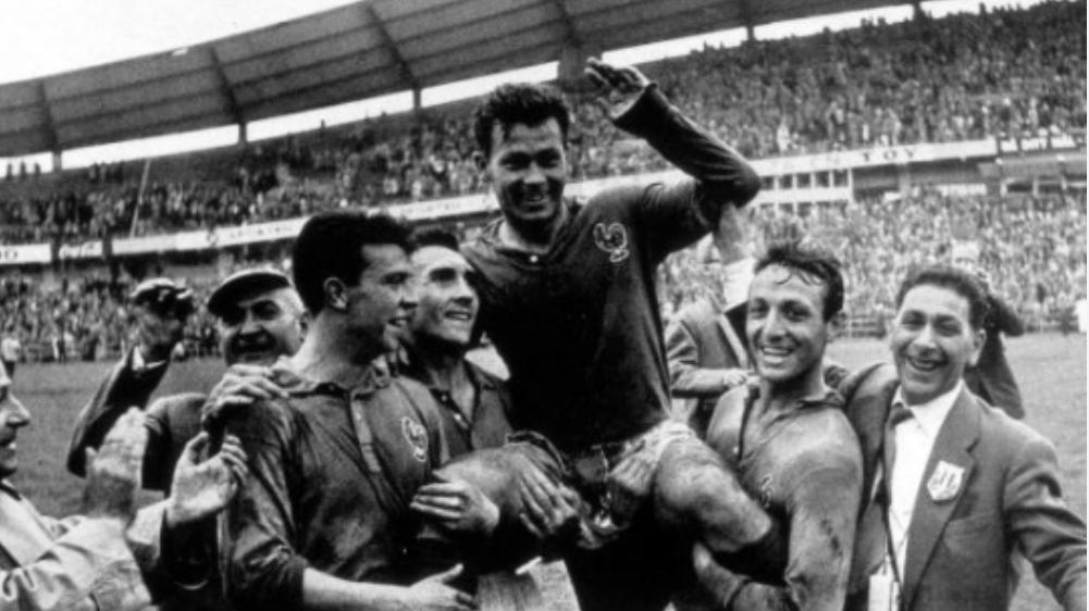 Just Fontaine marque ses 13 buts en Coupe du monde… avec les chaussures d'un coéquipier