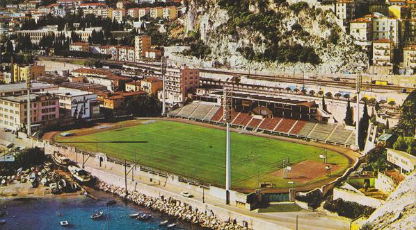 Un éléphant assiste aux matches de Monaco et devient la mascotte du club